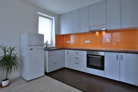 Prodej, byt 3+kk, 93 m2, Pohořelice, ul. Znojemská