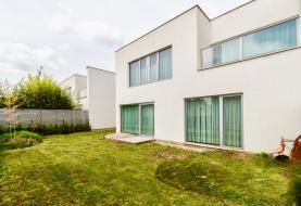 Prodej, rodinný dům 4+1, 279 m2, Unhošť.