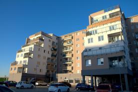 Prodej, byt 1+kk, 31 m2, Klecany