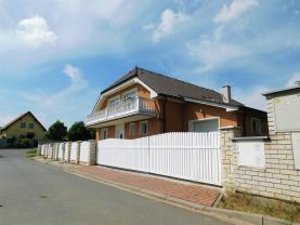 Prodej, rodinný dům 7+kk, 1370 m2, Šestajovice, ul. Trnková