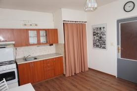 Pronájem, byt 1+1, 35 m2, OV, Chomutov, ul. Jirkovská