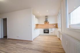 Prodej, byt 3+1, 108 m2, Zlín, ul. Zarámí