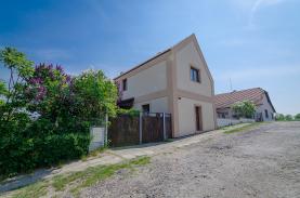 Prodej, Rodinný dům, 626 m2, Chrást
