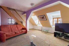Prodej, nájemní dům, 753 m2, Klatovy, Aretinova