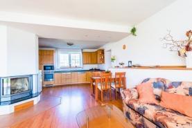 Prodej, rodinný dům, 2441 m2, Jesenice u Rakovníka