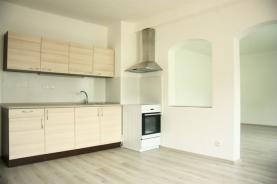 Prodej, rodinný dům 4+1, 1025 m2, Tavíkovice