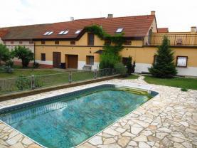 Prodej, rodinný dům 5+1, 1440 m2, Pišťany