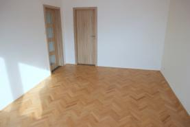 Prodej, byt 3+1, 64 m2, OV, Plzeň-Masarykova