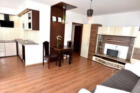 Pronájem, byt 1+kk, Pardubice - Polabiny, ul. Družby