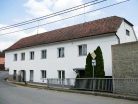 Prodej, rodinný dům 6+2, 742 m2, Biskupice