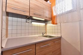 Kuchyně (Prodej, chata 2+1, 40 m2, Kosmonosy)