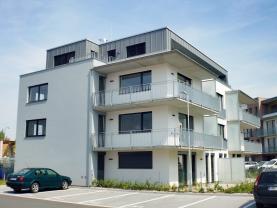 Pronájem, byt 3+kk, 111 m2, Hradec Králové, ul. A. Petrofa