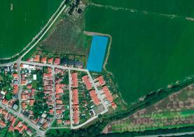Prodej, stavební parcela, 4697 m2, Mochov