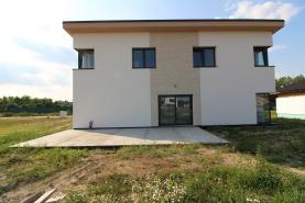 Prodej, rodinný dům 7+1, 220 m2, Milovice
