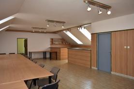 Pronájem, kancelářské prostory, 250 m2, Pardubice - centurm