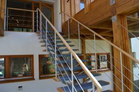 schodiště vstup 1.NP (Prodej, výrobní objekt, 2466 m2 , Desná, ul. Údolní), foto 4/26