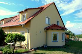 Prodej, rodinný dům 180 m2, pozemek 714 m², Postřižín