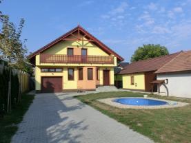 Prodej, rodinný dům 5+1, 560 m2, Pardubice - Nemošice