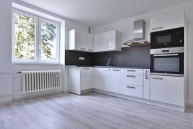 Prodej, byt 2+kk, 82 m2, Karlovy Vary, ul. Raisova