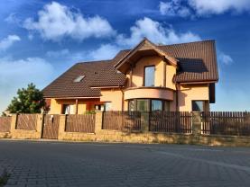 Prodej, rodinný dům 6+1, 1320 m2, Doubek u Říčan