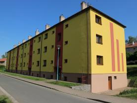 Pronájem, byt 2+1, Chvaletice, ul. Československé armády