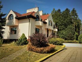 Pronájem, rodinný dům, 620 m2, Mukařov u Prahy
