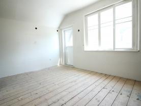 Pokoj 1. patro (Prodej, rodinný dům, 620 m2, Karlštejn), foto 4/26
