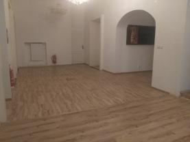 Pronájem, atypický byt 7+1, 179 m2, Karlovy Vary
