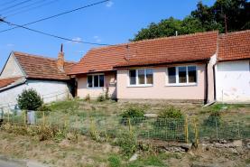 Prodej, rodinný dům 3+1, 350 m2, Hodějice