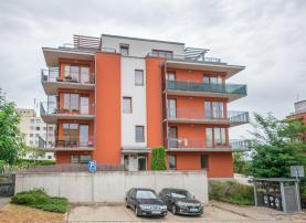 Pronájem, byt 2+kk, 63 m2, Praha 5 - Zbraslav, ul. Pickova