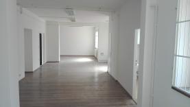 (Pronájem, obchod a služby, 150 m2, Ostrava, ul. 28. října)