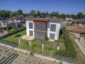 Prodej, rodinný dům 6 + 2kk, 436 m2, Břehy