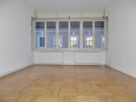(Pronájem, byt 3+kk, 100 m2, Jindřichův Hradec)