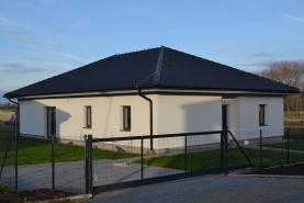 Prodej, rodinný dům 5+kk, 130 m², Veleň