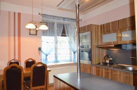 Prodej, byt 2+1, 65 m2, Javorník