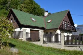 Prodej, rodinný dům, 6+1, 1654 m2, Desná, ul. Údolní