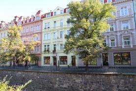 Pronájem, obchodní prostory, 209 m2, Karlovy Vary