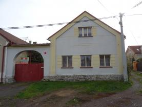 Prodej, rodinný dům 5+1, 1893 m2, Hostomice - Radouš