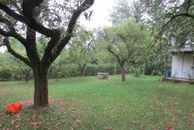 Pronájem, zahrada, 718 m2, Praha - Dubeč