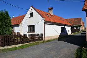Prodej, rodinný dům 3+kk, 210 m2, Kněževes, ul. Hokůvek