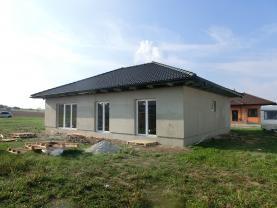 Prodej, rodinný dům 4+kk, 999 m2, Kočí