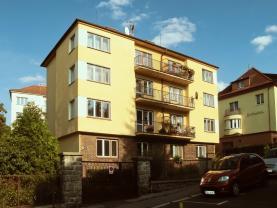 Prodej, byt 2+1 a garáž, OV, 62 m2, K. Vary, Jiráskova ul.
