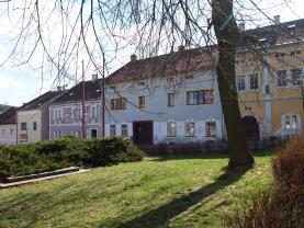 Prodej, rodinný dům,588 m2, Žlutice, ul. Velké náměstí