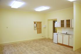 Pronájem, kancelářské prostory, 130 m2, Vizovice