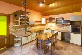 Prodej, cihlový byt 4+1, 118 m2, OV, Plzeň