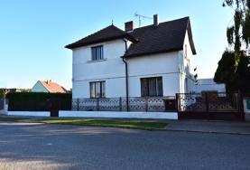 Prodej, rodinný dům, 5+2, 270m2, Luštěnice