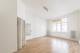 (Prodej, byt 2+kk, 62 m2, Kaprova ul., Praha 1), foto 2/9