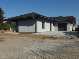 Prodej, rodinný dům 4+kk, 908 m2, Makotřasy