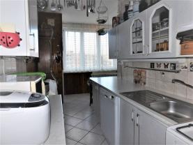 (Prodej, byt 2+1, 62 m2, Karlovy Vary, ul. Fibichova), foto 2/20
