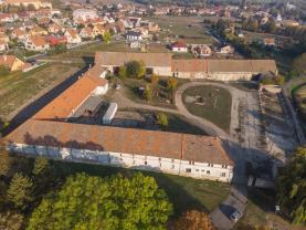 Letecký pohled - z jihu (Prodej, zemědělská usedlost, 10597 m2, Straškov - Vodochody), foto 2/22